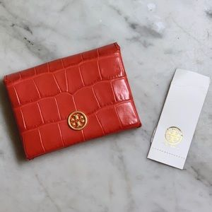 NWT Tory Burch Embossed Parker Foldable Wallet